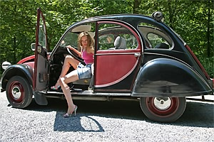Air cooled special: Citroen 2CV + Trabi