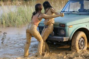 "DVD 026 - ""The Rendezvous"" + ""Playing in Mud"" + ""The Payback"""