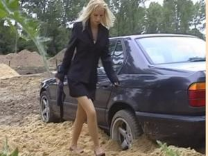 DVD 003 - Michelles first pedal pumping stuck video
